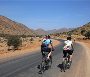 John and Sue approach the pass to Sidi Ifni