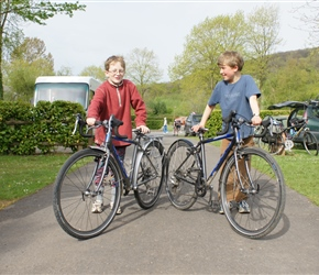 James and Edward with their Islabikes