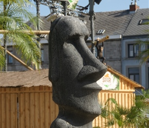 You do see some bizarre things on these trips but an Easter Island replica in Ciney. They'd turned the square into a beach