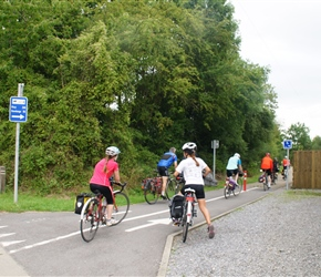 We headed for the Ciney to Huy cycle path. A long one on a disused railway, tarmac perfect. Kate and Louise start