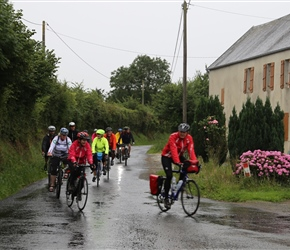 Robert followed by the rest head for Périers
