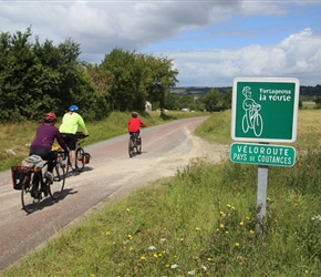 On cycle route to Regneville sur Mer